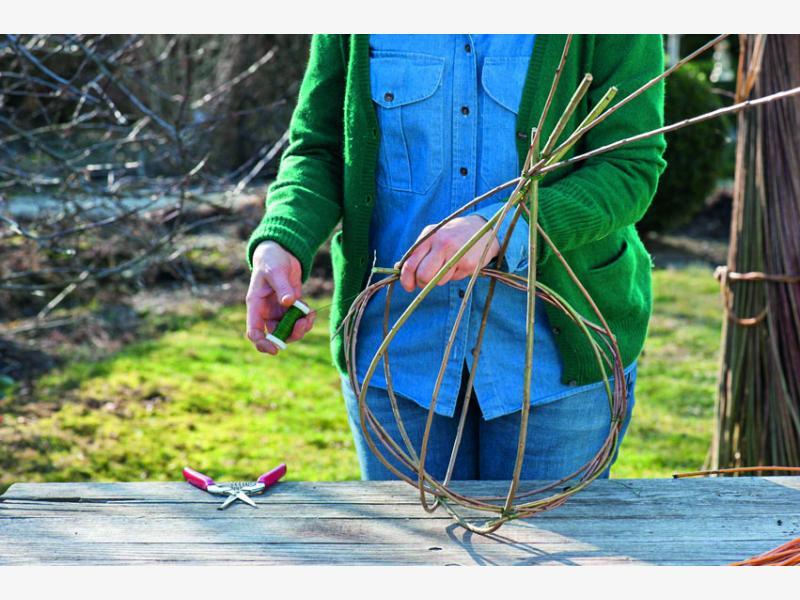 плетем корзины из ивы 3