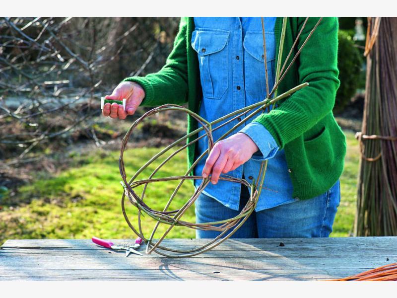плетем корзины из ивы 4