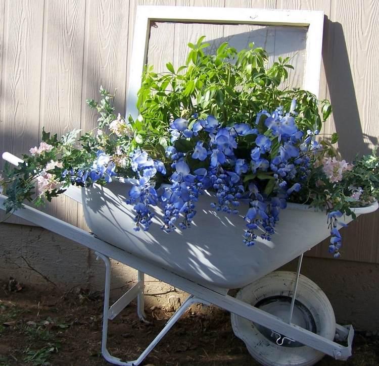 садовые украшения из старых вещей1
