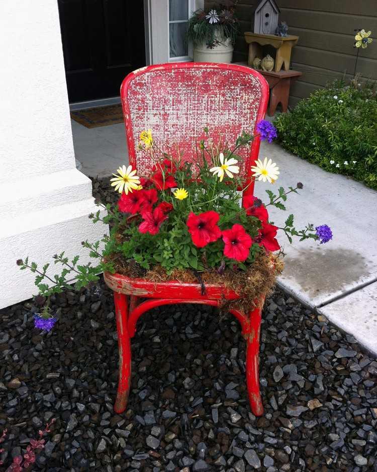 садовые украшения из старых вещей11