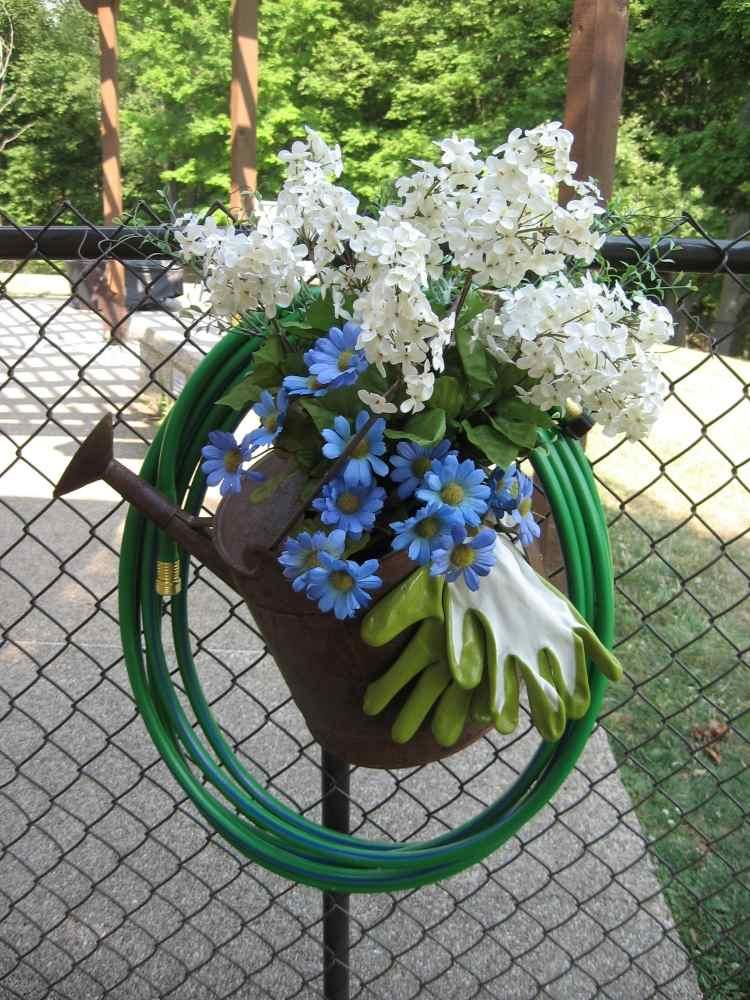 садовые украшения из старых вещей15