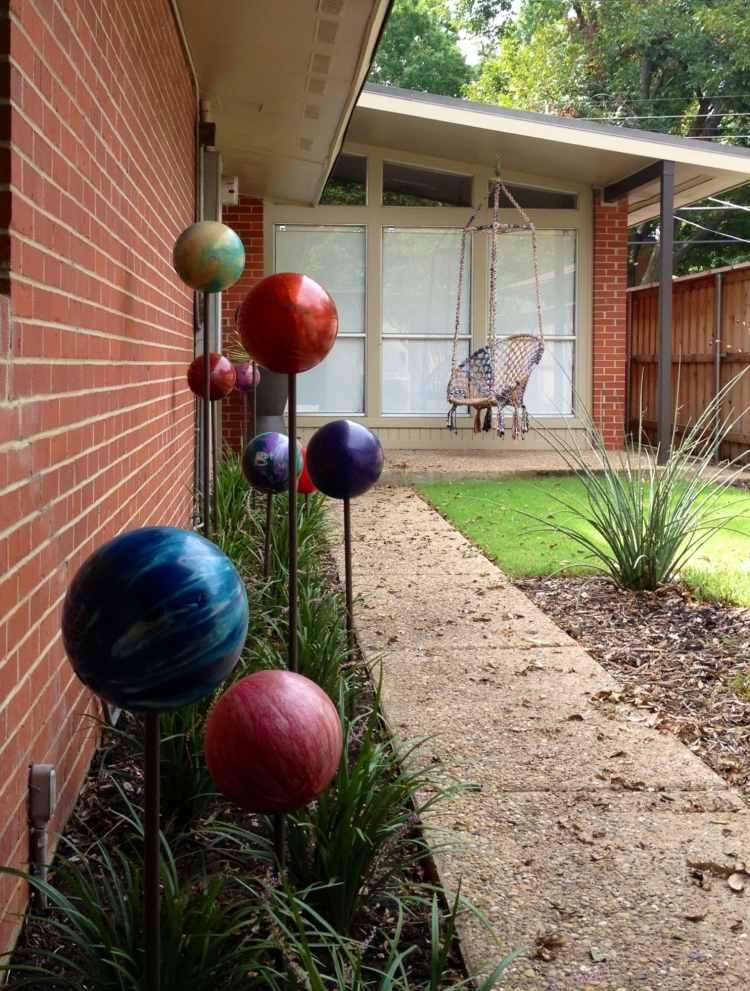 садовые украшения из старых вещей19
