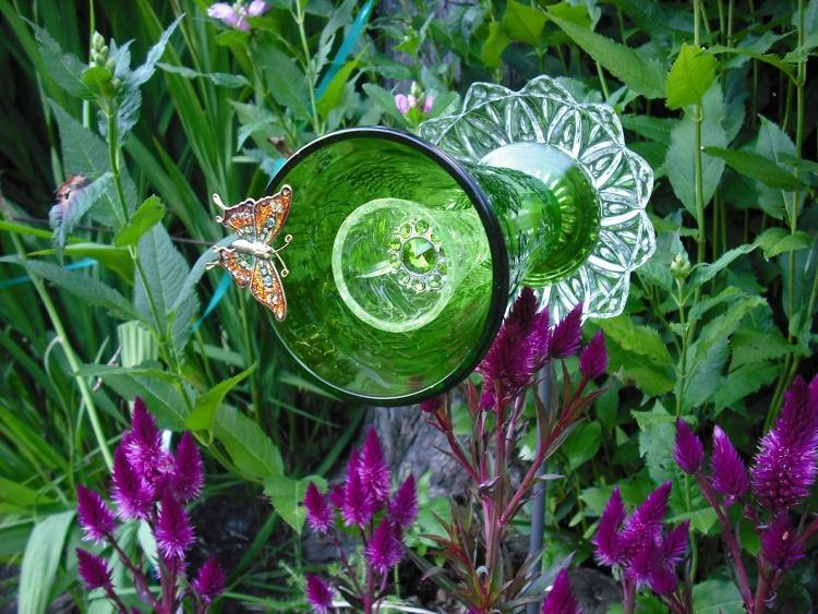 садовые украшения из старых вещей21