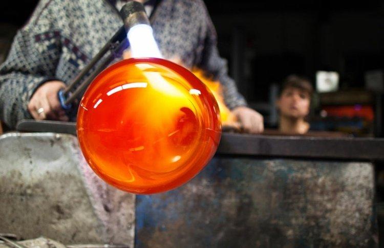 led-pflanzenlampe-glas-feuer-bearbeiten-schmelzen